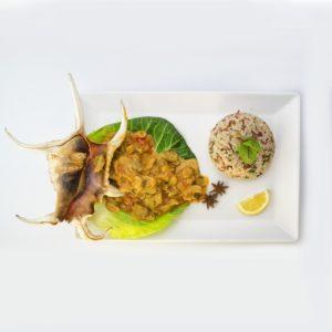 Тушеные моллюски по-креольски (lambi creole)