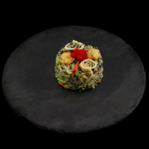 Жареный рис с креветками и тобико