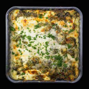Лазанья со шпинатом, грибами и соусом Бешамель
