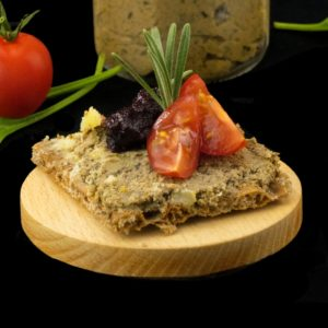 Паштет из куриной печени и грибов (pate de foies de volailles aux champignons)