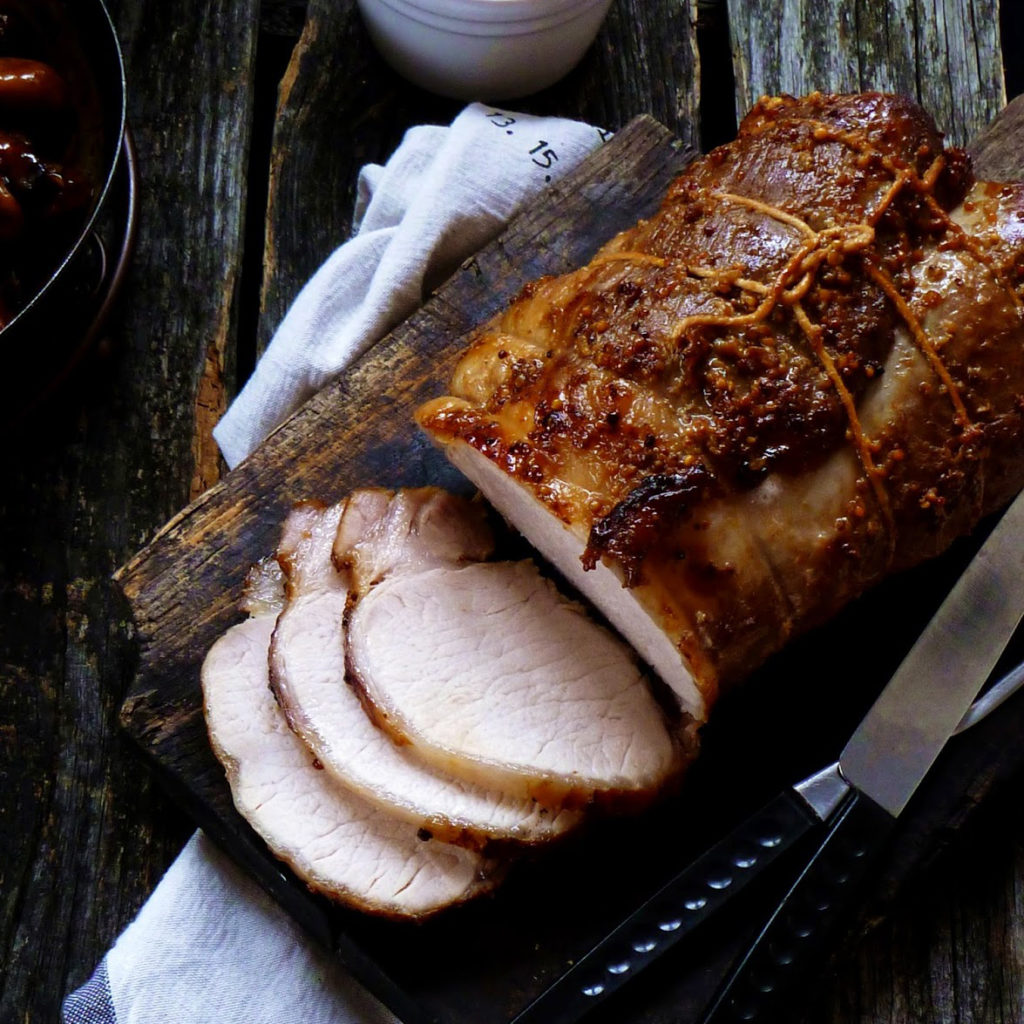 Запечена свинина в соєво-гірчичному маринаді