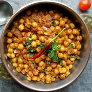Чола карри из нута (chole chickpea curry)