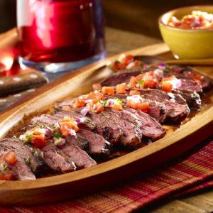 Мясо на гриле Чураско с креольским соусом (Churrasco Argentino en Salsa Criolla)