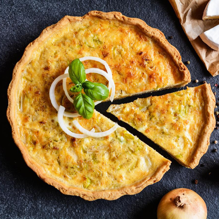 Onion Quiche with Camembert, leek and eggs