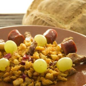 Закуска из хлеба Теруэльский мигас (Migas)