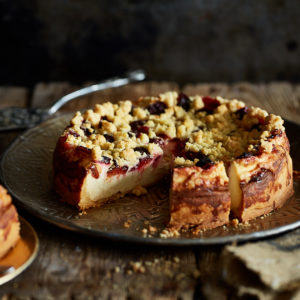 Творожный пирог с черносливом (Käsekuchen mit Pflaumen)