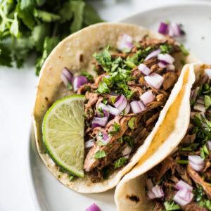 Кукурузные лепешки тако с говядиной барбекю (Tacos De Barbacoa)