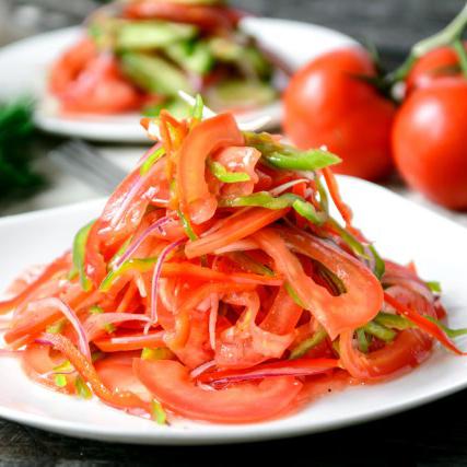 achik-chuchuk-tomaty-s-obzhigajushhim-perchikom-490-tg
