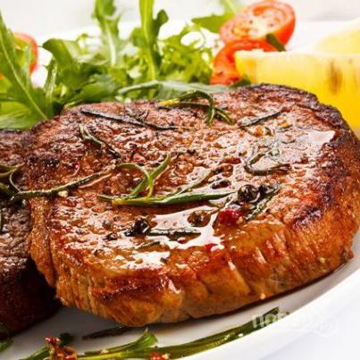 steik_iz_svinini_na_kostochke-387943